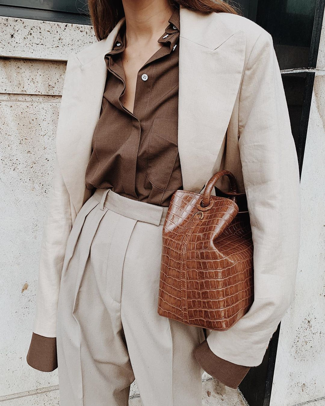 brown-oversized-button-down-shirt-outfit