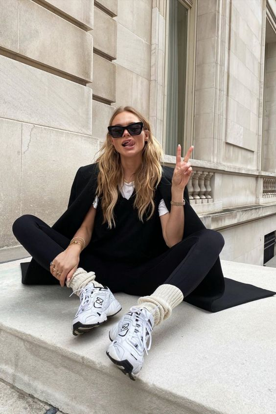15+ Chic Ways to Wear the Athleisure Trend - Outfitting Ideas