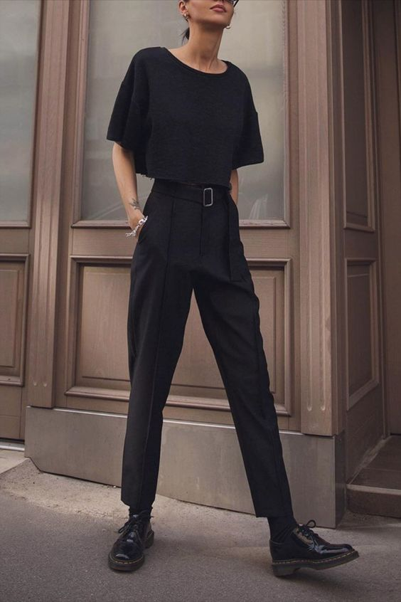 all black outfit for spring