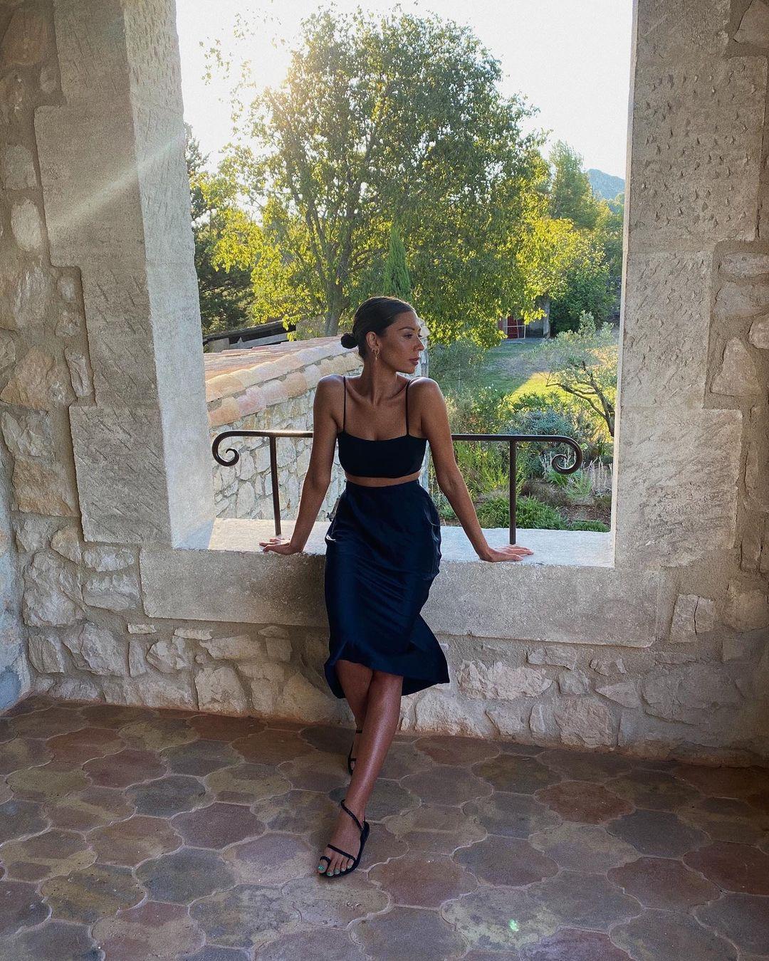 how to wear black slip skirt in summer